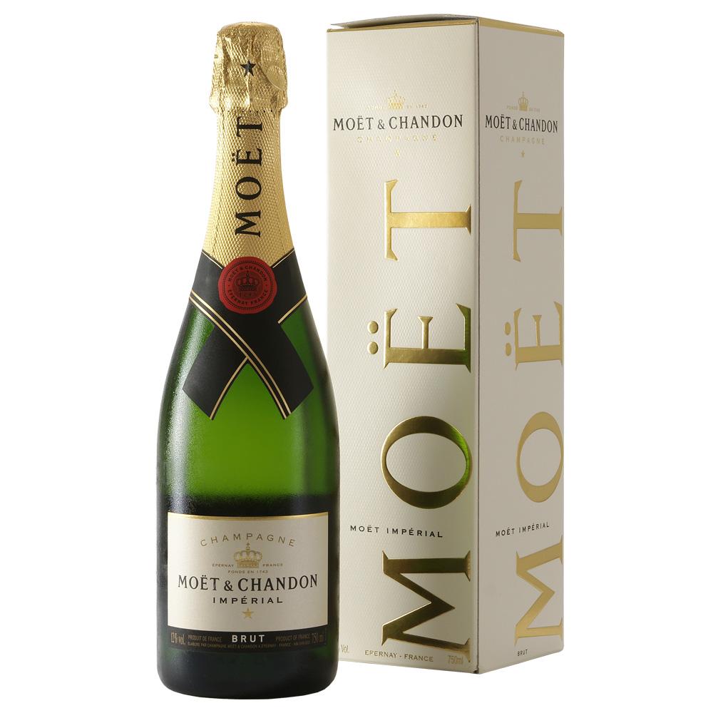 Champagne Moët...