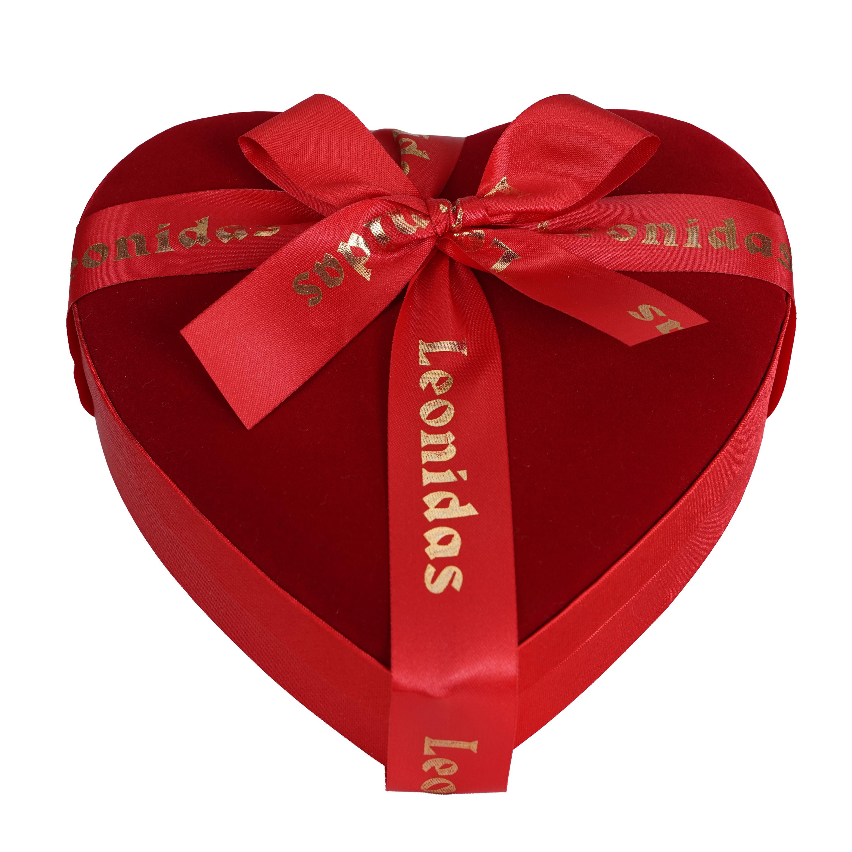 15 Leonidas bonbons verpakt in fluweel hart