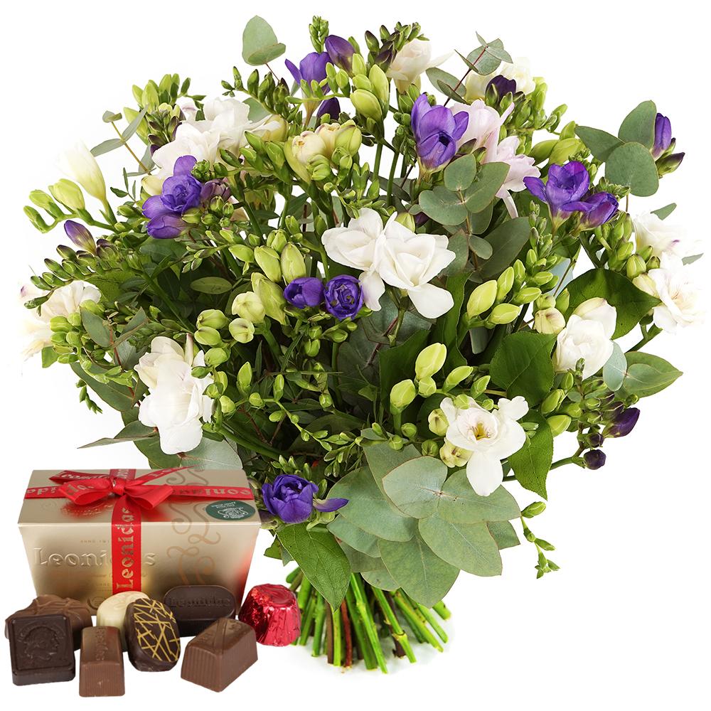 Freesia bloemen en Leonidas