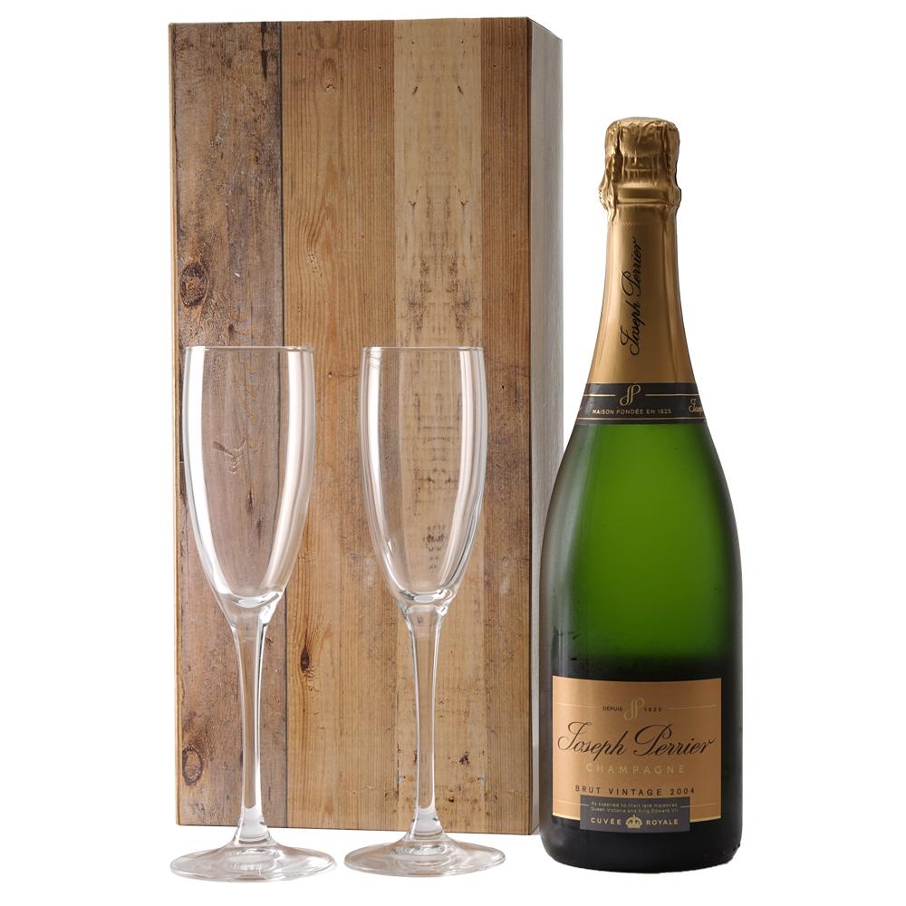 Joseph Perrier Brut Vintage 2004 en champagne glazen