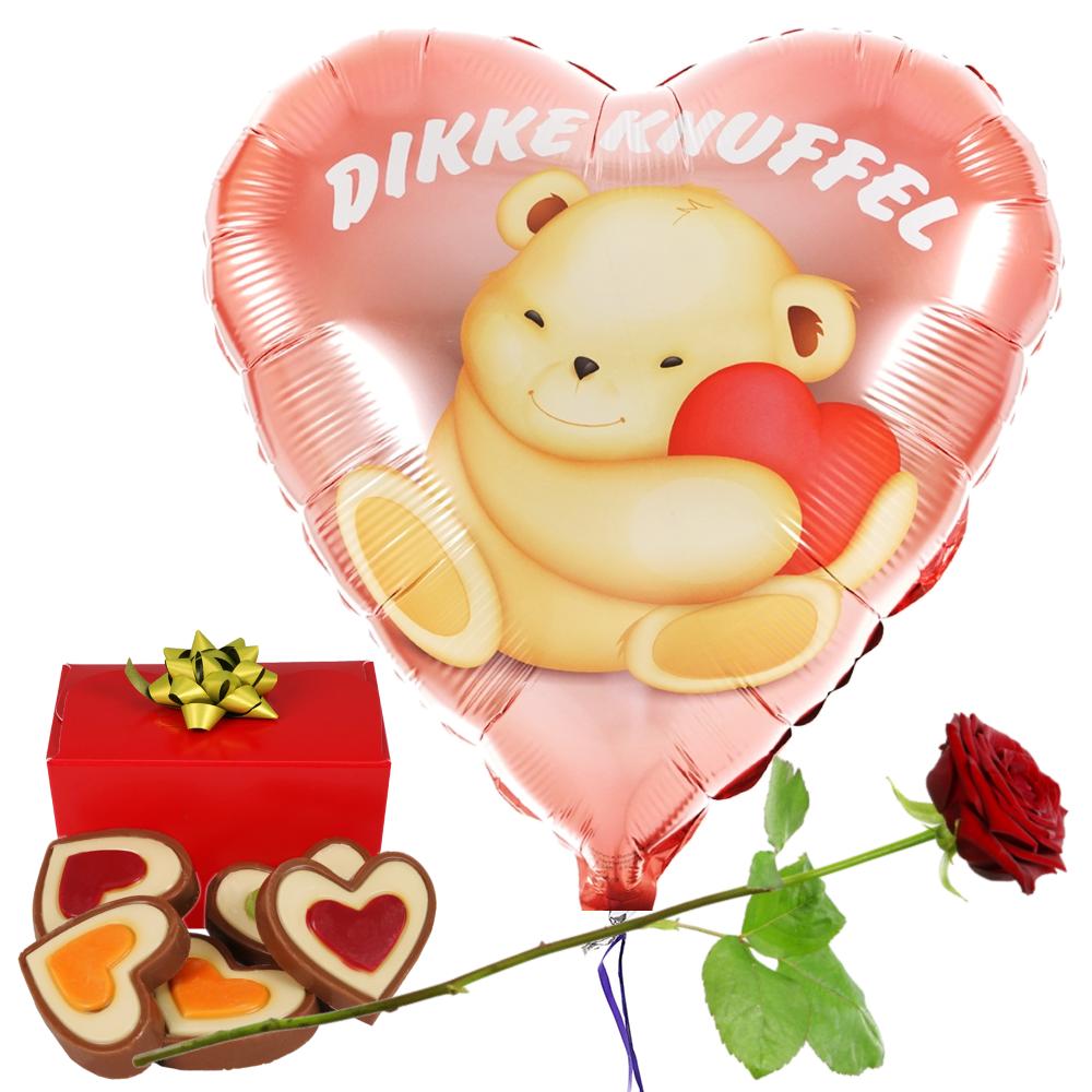 Dikke knuffel ballon en hartjes chocolade en rode roos