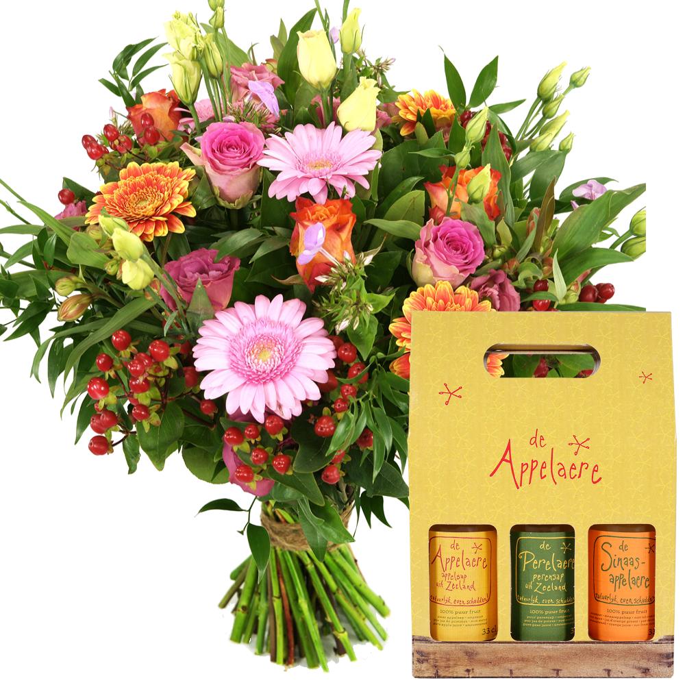 Oranje en roze bloemen + sappen gift box