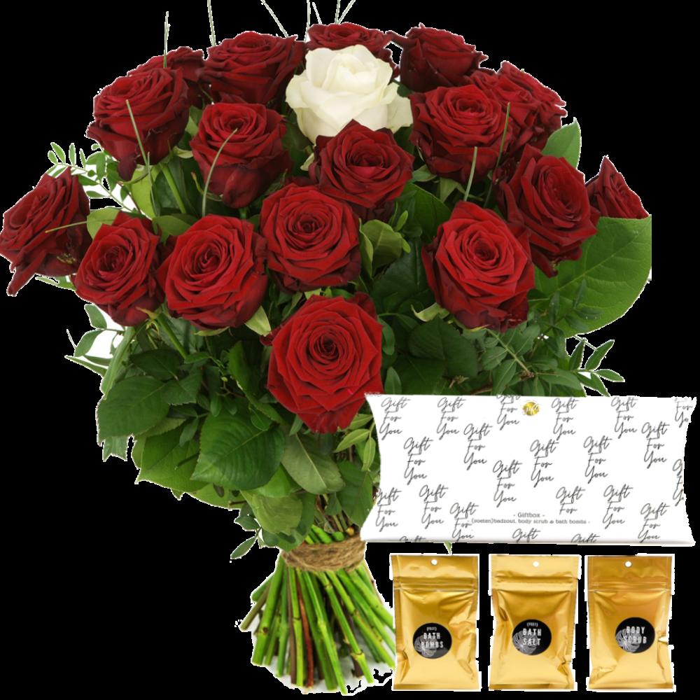 Rode rozen met één witte roos + badzeepset