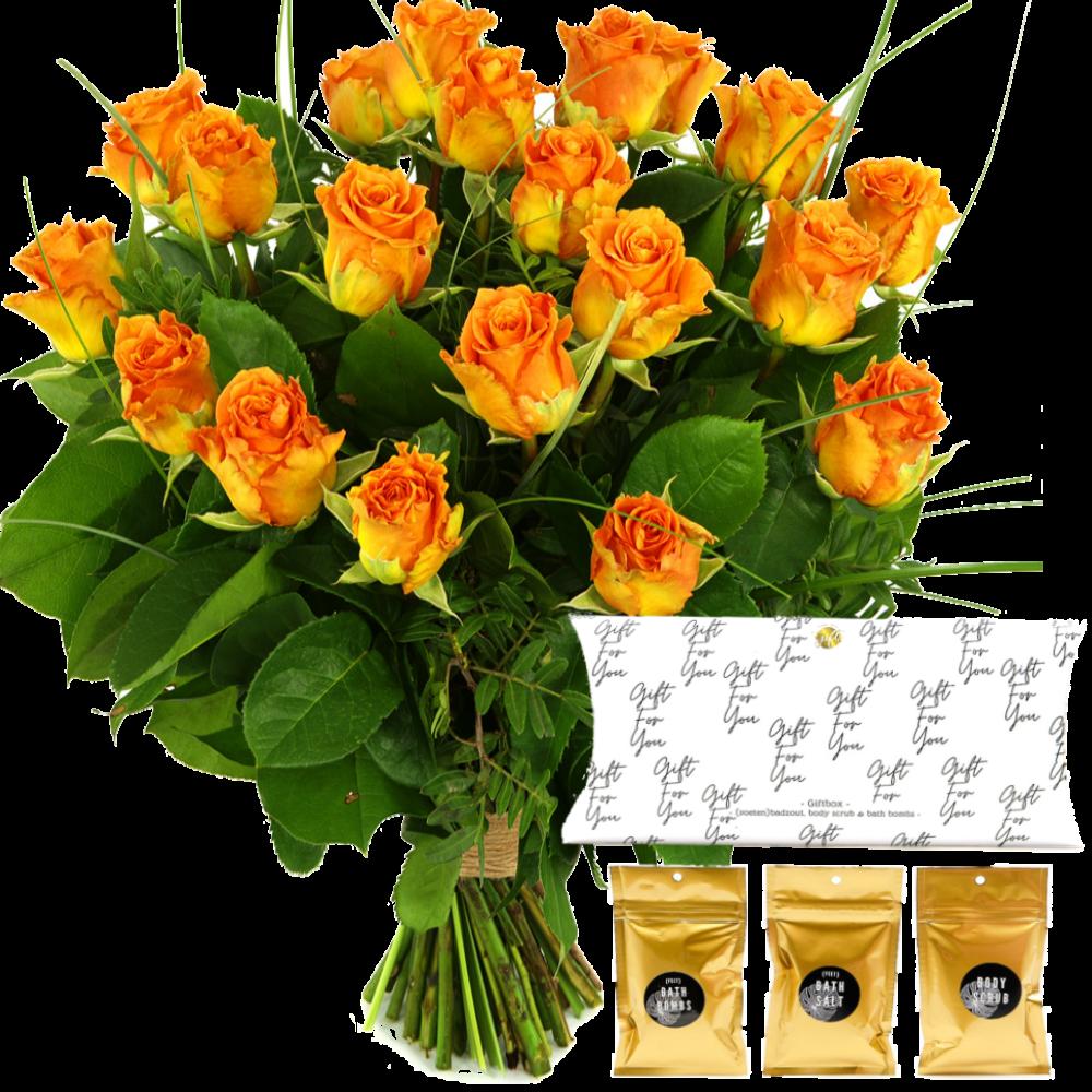 Boeket oranje rozen + badzeepzet in geschenkverpakking