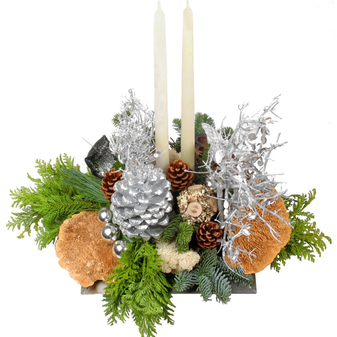 Modern kerststuk met 2 kaarsen